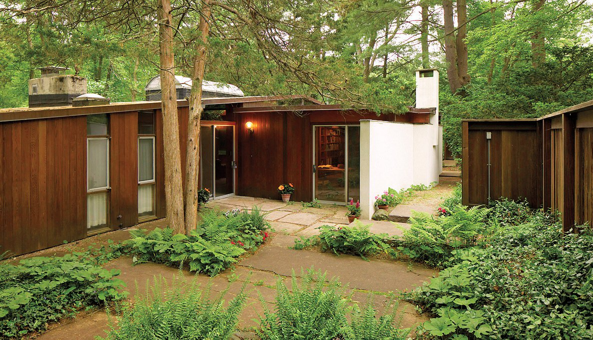 Modernist homes in Lexington and Cape Cod | Harvard Magazine