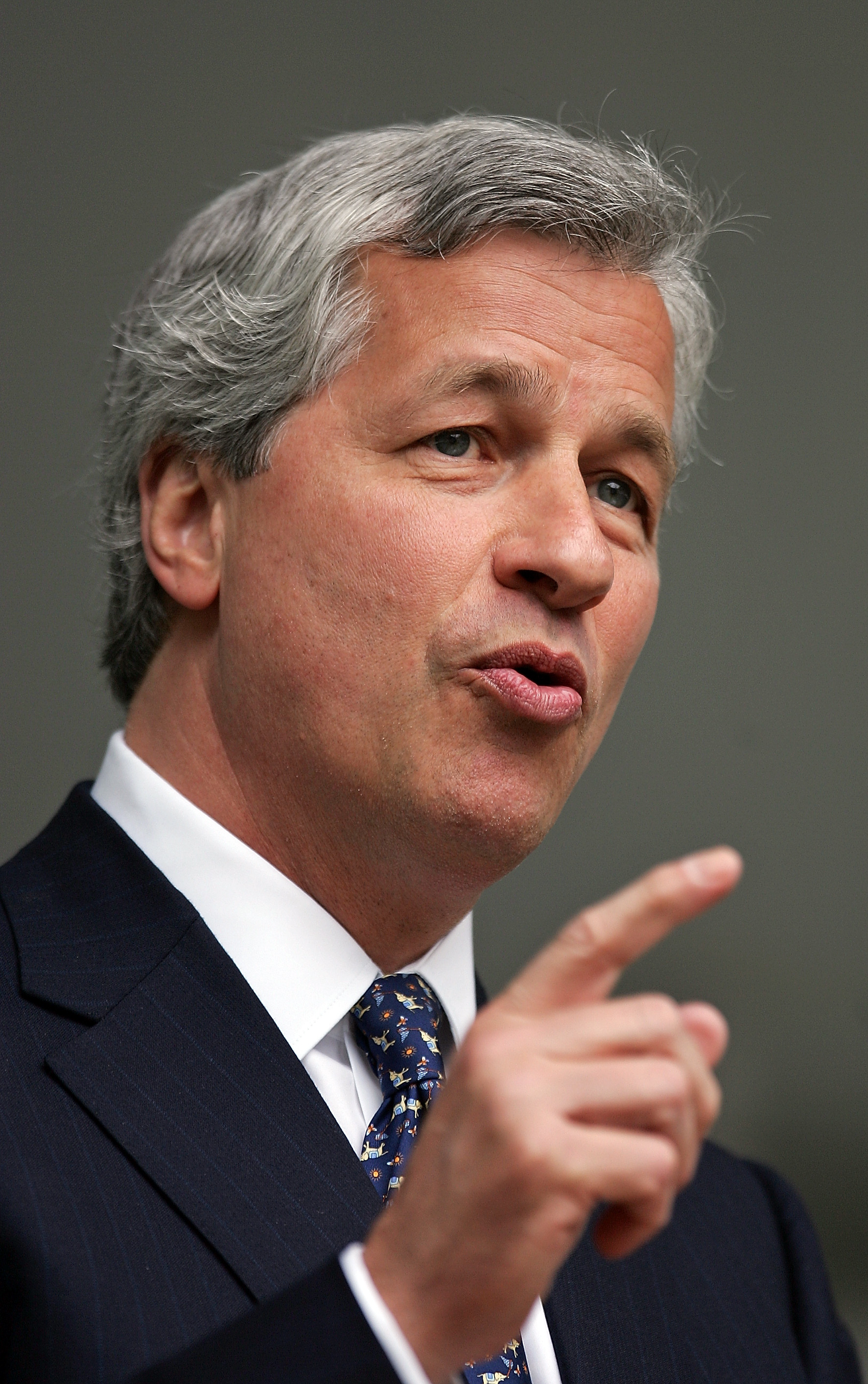 Jamie Dimon runs JPMorgan Chase the largest bank in the US in terms of assets He began his finance career at American Express in 1982 and later helped build the