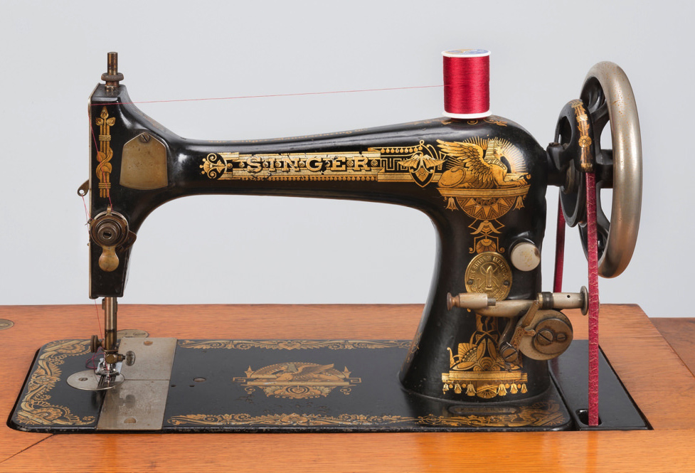 Machine cases singer sewing old The Old