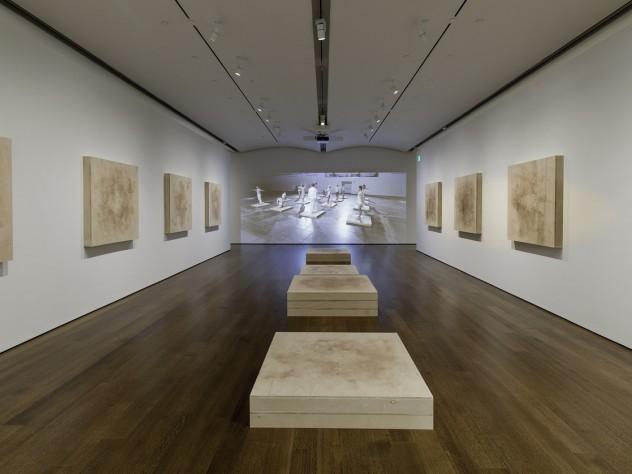 """Installation view of """"Jesse Aron Green: Ärztliche Zimmergymnastik"""""""