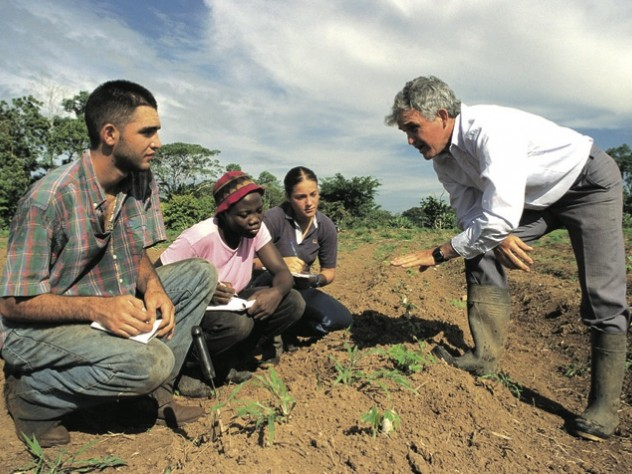 Students from Costa Rica and Uganda learn about agriculture at EARTH  University in Costa Rica. Juma points to the school's hands-on learning approach as a model.