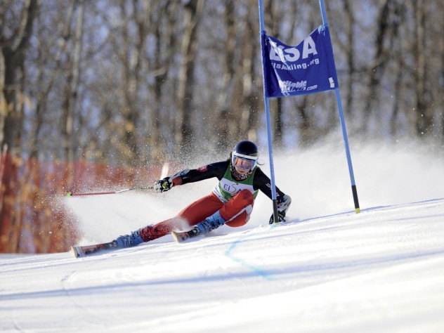 Nadler zooms around a giant slalom gate at the 2012 Dartmouth Carnival.