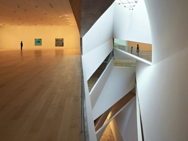 """""""Lightfall"""" and a gallery displaying Israeli art"""