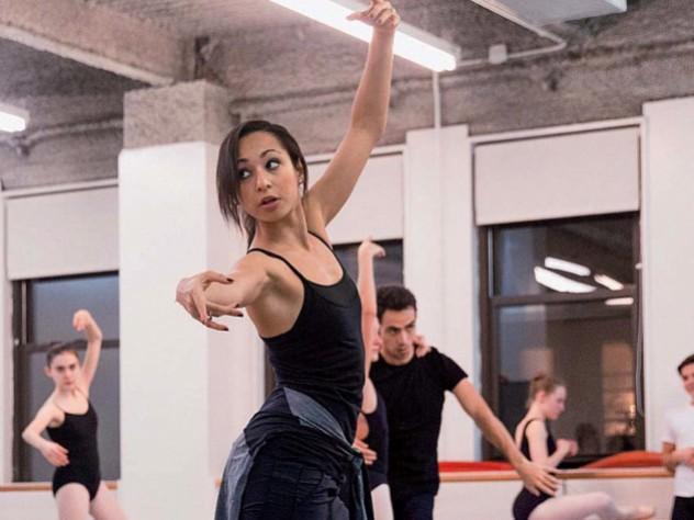 Portrait of Claudia Schreier in rehearsal