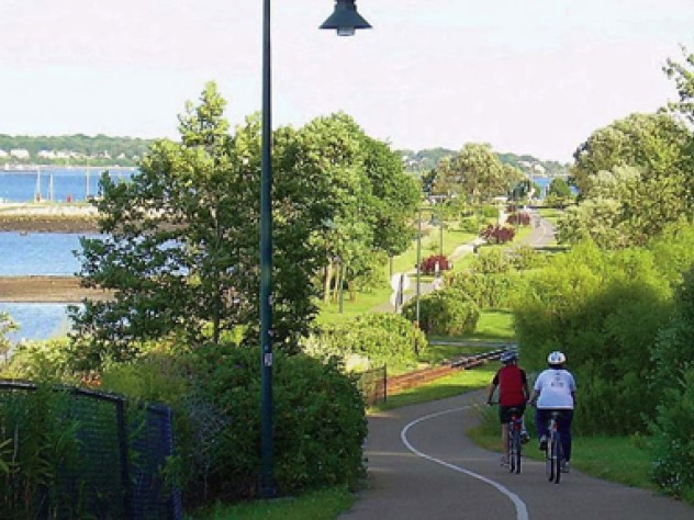 Cyclists of all levels can enjoy the coastal Eastern Promenade Trail in Portland.