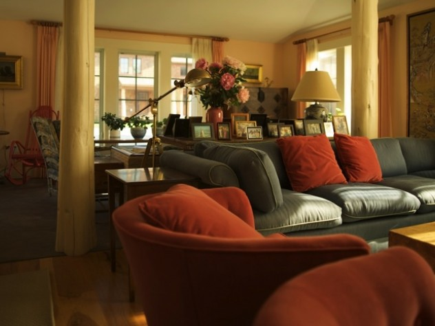 Nubanusit living room is warm in the winter and cool in the summer