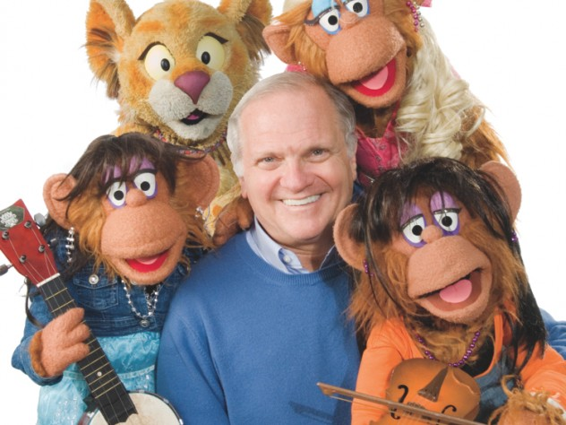 Cerf today with characters from <i>Between the Lions</i>