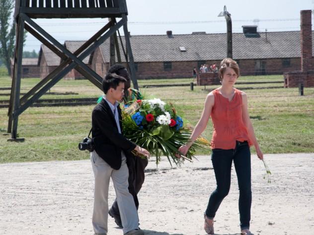Laying a wreath in Auschwitz