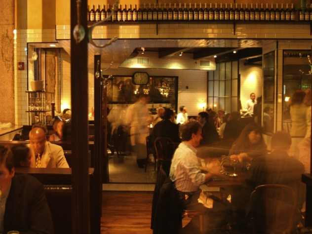 Gaslight aims to offer patrons the ambience and food of a Parisian brasserie.