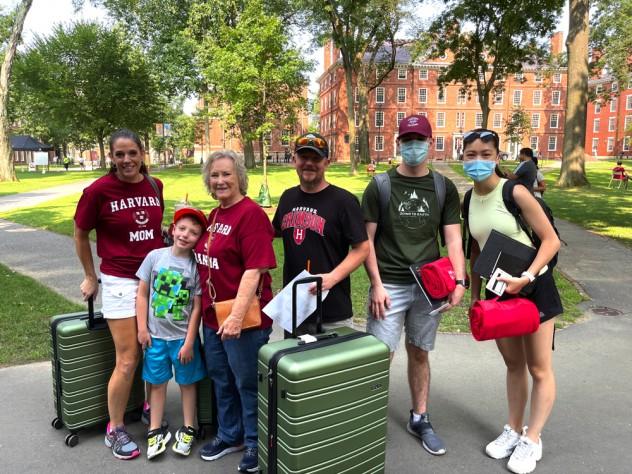 Freshman Gavin Lindsey moves into Harvard yard with his family.