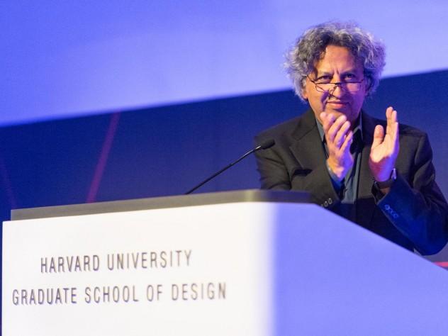 Dean Mostafavi speaks at Saturday evening's program in Piper Auditorium.