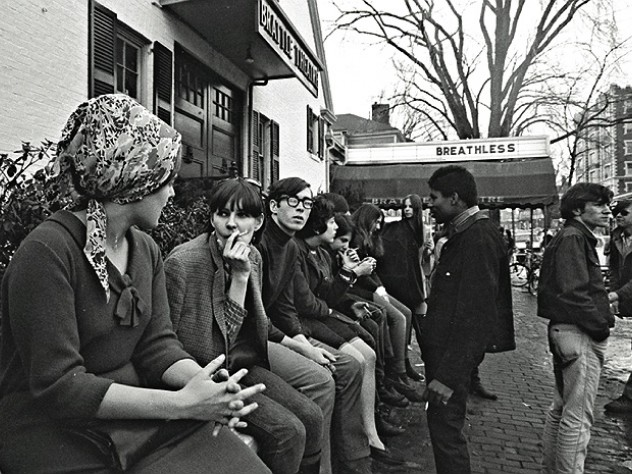 Cruising the Square: Brattle Theatre-goers await <i>Breathless</i> in 1967
