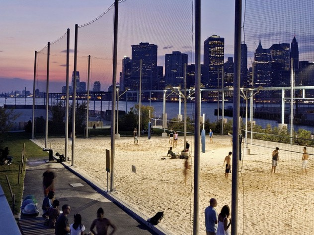 Pier 5: volleyball courts with a view
