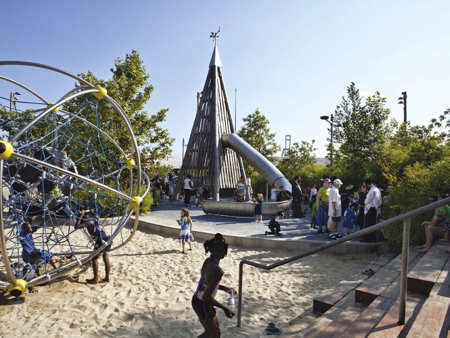 Pier 6: a detail of the playground structures