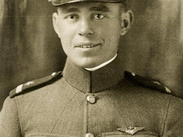 Eric Lingard. He died of pneumonia in October 1918 after his plane crashed at sea.