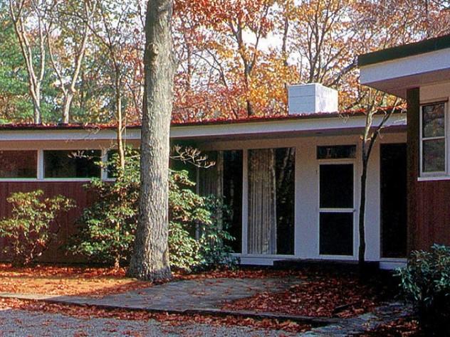 Henry Hoover's mid-century modern Peavy House, in Lincoln, Massachusetts