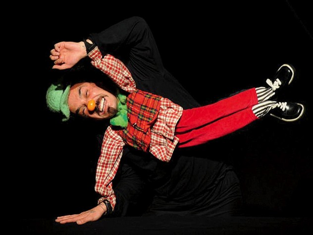 Puppet Slams performance of Minimo (Edgar Cardenas)