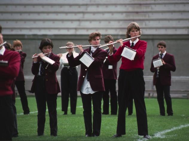Bandswomen performing