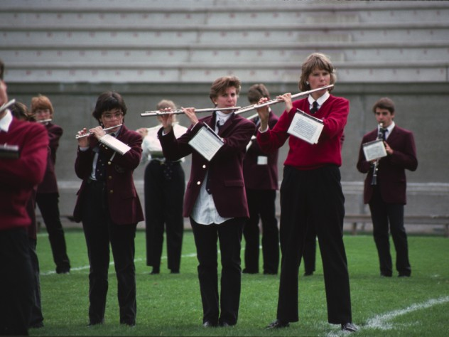 Bandswomen performing