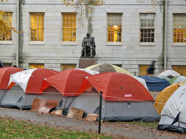Tents were set up in the rain last Thursday in front of University Hall.