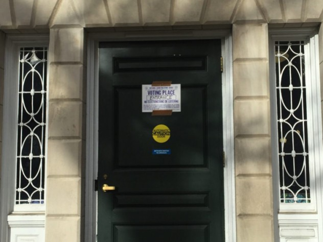 Photo of polling sign at Phillips Brooks House