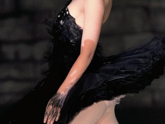 Portman as the sensuous Black Swan.