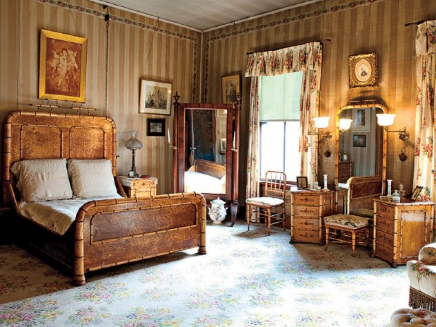 Rosamond Gibson's bedroom, which was redecorated by her mother in 1871, features soft colors, family portraits, and a 15-piece bird's-eye maple bedroom set carved to look like bamboo.