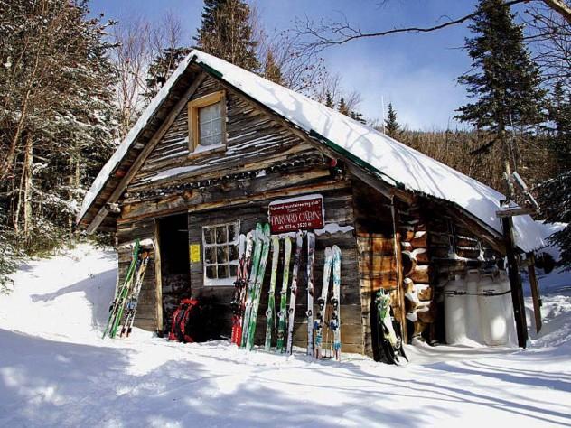 Harvard Mount Washington cabin in the snow