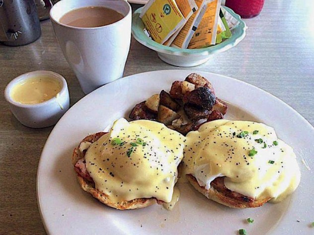 Eggs Benedict at Chach