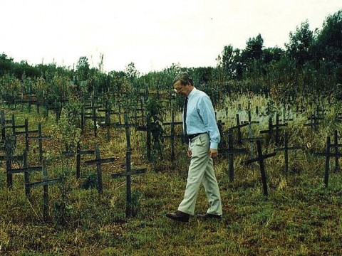 David Scheffer in 1997 at the Nyanza massacre memorial site in Rwanda