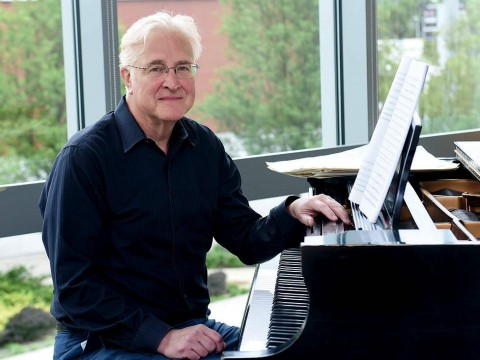 Photograph of composer Paul Moravec