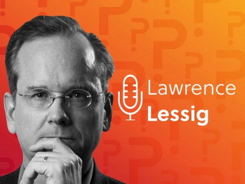 Portrait of Lawrence Lessig with a microphone and his name