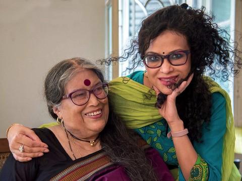 Nabaneeta and Nandana Dev Sen embracing in 2018