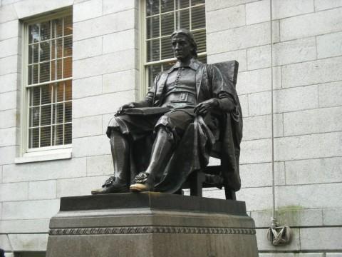 Statue of John Harvard